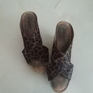 Lucky Brand Miller Wedge Size 8